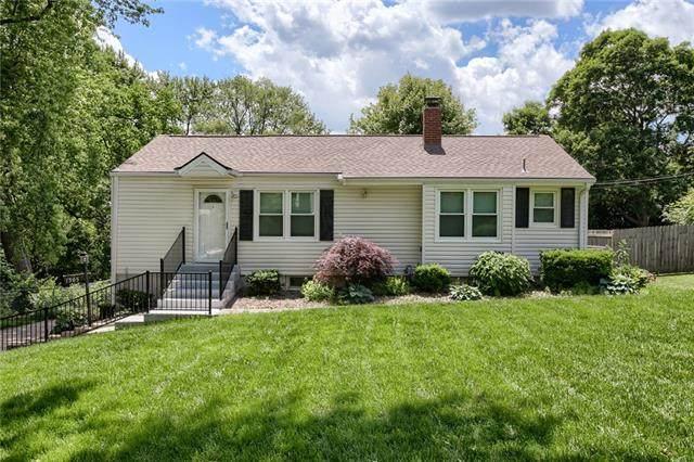 1305 NE 56th Terrace, Gladstone, MO 64118 (#2321125) :: Team Real Estate