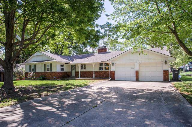 12137 E 48th Terrace, Independence, MO 64055 (#2321143) :: Dani Beyer Real Estate