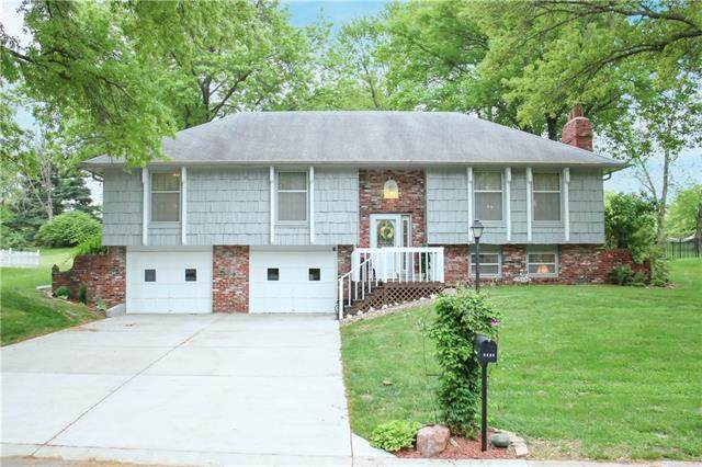 6604 NW Melody Lane, Parkville, MO 64152 (#2321167) :: Tradition Home Group | Better Homes and Gardens Kansas City