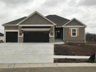 509 SW Hillside Drive, Grain Valley, MO 64029 (#2321177) :: Beginnings KC Team