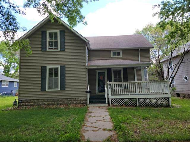 429 S Locust Street, Ottawa, KS 66067 (#2321249) :: Ask Cathy Marketing Group, LLC