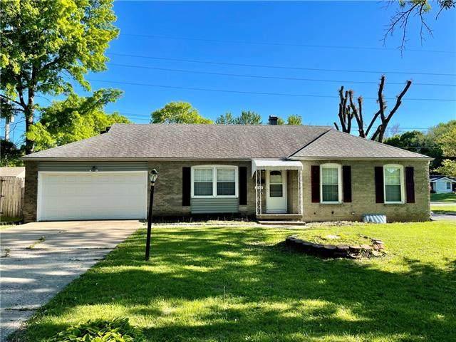 12501 E 34th Terrace, Independence, MO 64055 (#2321256) :: Austin Home Team