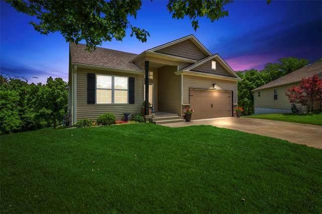 13065 NW Oakview Drive, Platte City, MO 64079 (#2321257) :: The Gunselman Team