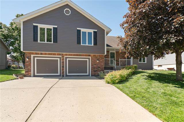 1124 SW Southgate Drive, Blue Springs, MO 64015 (#2321258) :: The Rucker Group
