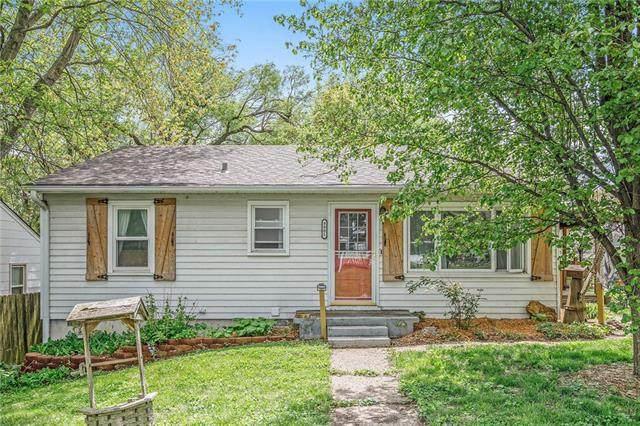 9901 E Scarritt Avenue, Independence, MO 64053 (#2321313) :: Austin Home Team