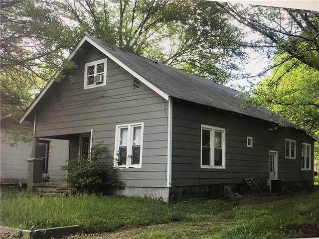 107 W Washington Street, Pittsburg, KS 66762 (#2321319) :: Austin Home Team
