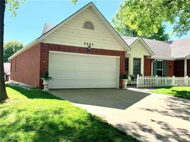 2007 Berkshire Drive, St Joseph, MO 64506 (#2321340) :: Eric Craig Real Estate Team