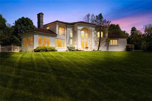 15587 Greenwood Street, Olathe, KS 66062 (#2321366) :: Team Real Estate