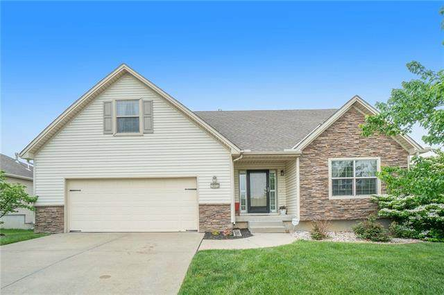 14412 Eastern Court, Grandview, MO 64030 (#2321373) :: The Kedish Group at Keller Williams Realty