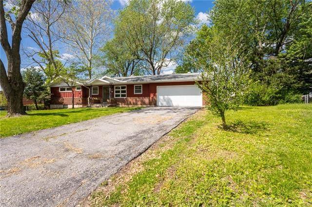 6122 Noland Road, Shawnee, KS 66216 (#2321376) :: Audra Heller and Associates