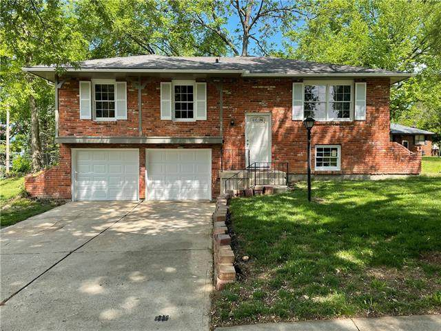 1916 SW 2nd Street, Lee's Summit, MO 64081 (#2321390) :: Eric Craig Real Estate Team