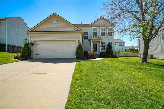 7900 N Lister Avenue, Kansas City, MO 64119 (#2321425) :: Austin Home Team