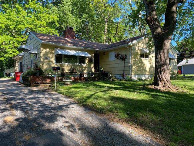 3507 S Hardy Avenue, Independence, MO 64052 (#2321426) :: Austin Home Team