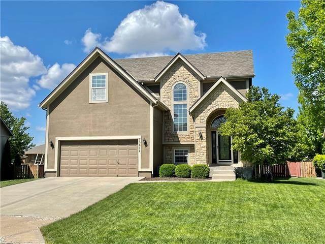 15614 S Hunter Street, Olathe, KS 66062 (#2321431) :: Dani Beyer Real Estate