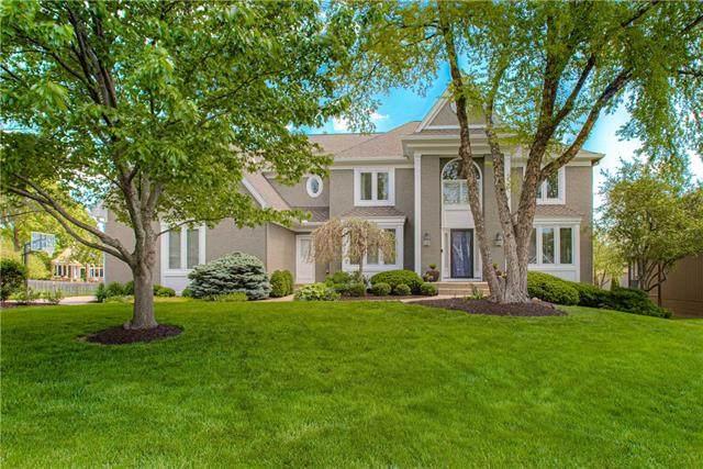 14107 England Street, Overland Park, KS 66221 (#2321440) :: Tradition Home Group   Better Homes and Gardens Kansas City