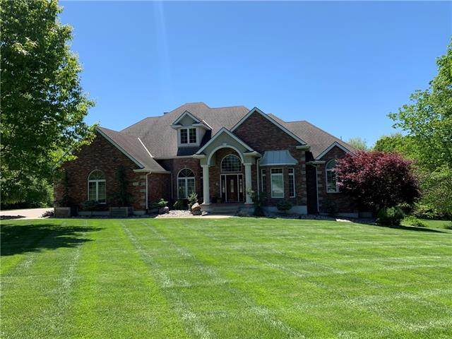 4405 SE Willow Place Court, Blue Springs, MO 64014 (#2321445) :: The Rucker Group