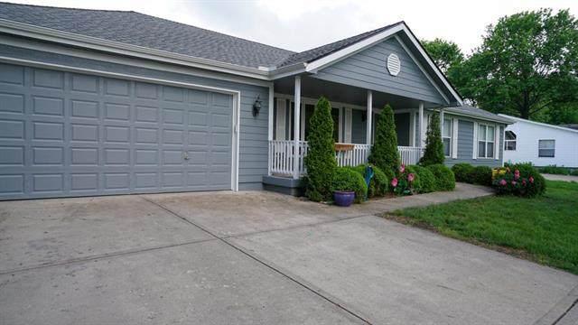 9 S Berkley Street, Louisburg, KS 66053 (#2321454) :: Edie Waters Network
