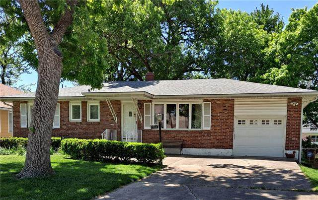 2404 Fayette Street, North Kansas City, MO 64116 (#2321530) :: Dani Beyer Real Estate