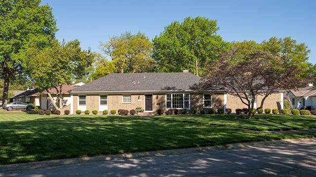11018 Wyandotte Street, Kansas City, MO 64114 (#2321556) :: Eric Craig Real Estate Team