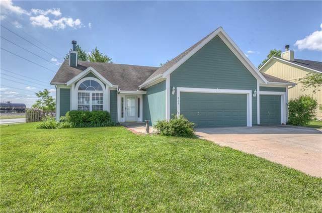 829 E 167th Terrace, Gardner, KS 66030 (#2321563) :: Eric Craig Real Estate Team