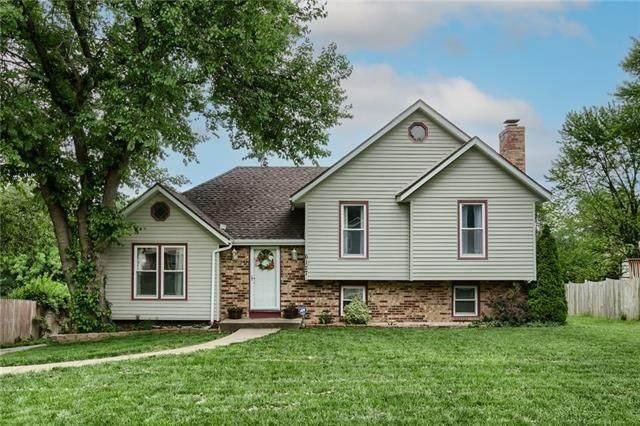 6127 Cottonwood Drive, Shawnee, KS 66216 (#2321565) :: Ron Henderson & Associates