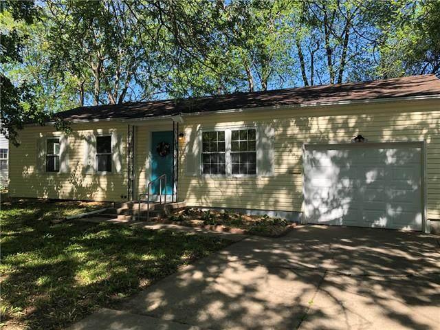 1103 N Swope Drive, Independence, MO 64056 (#2321567) :: Eric Craig Real Estate Team