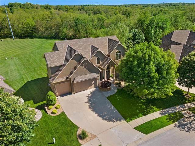 2515 Lake Breeze Drive, Lee's Summit, MO 64086 (#2321578) :: Eric Craig Real Estate Team