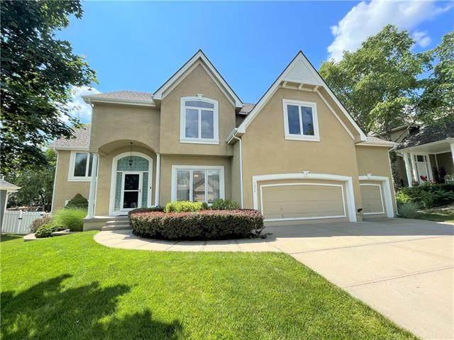 1324 Huntington Drive, Liberty, MO 64068 (#2321588) :: Ron Henderson & Associates