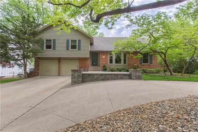 6331 W 67th Terrace, Overland Park, KS 66204 (#2321612) :: Eric Craig Real Estate Team