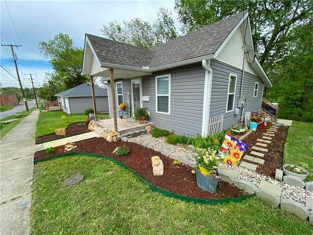601 N Lexington Street, Harrisonville, MO 64701 (#2321614) :: Eric Craig Real Estate Team