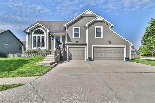 712 S Washington Street, Raymore, MO 64083 (#2321648) :: Team Real Estate