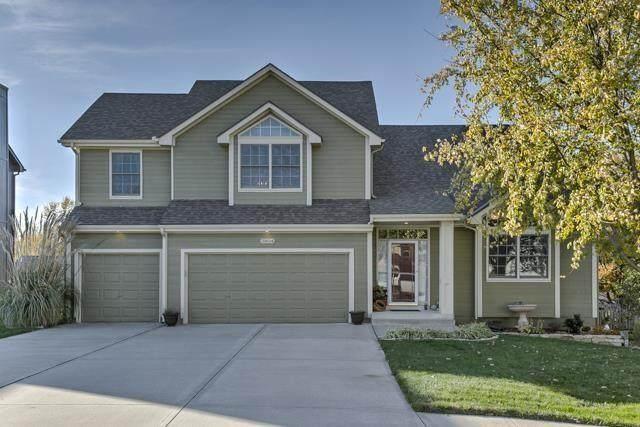 3804 SW Briarwood Drive, Lee's Summit, MO 64082 (#2321649) :: Eric Craig Real Estate Team