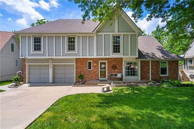 9028 Dice Lane, Lenexa, KS 66215 (#2321662) :: Team Real Estate