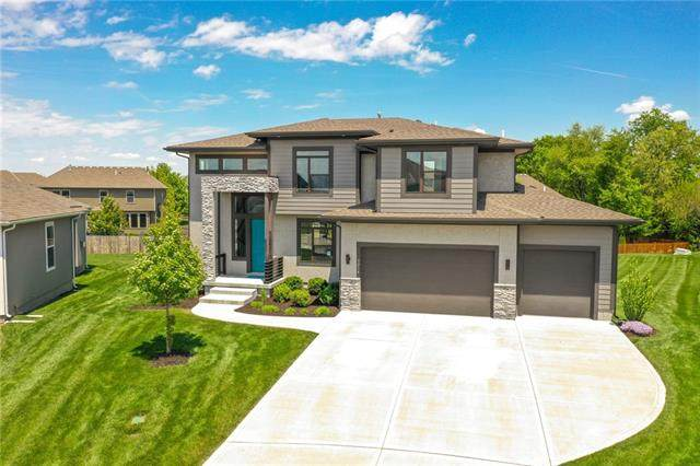 3214 SE 3RD Terrace, Lee's Summit, MO 64063 (#2321663) :: Eric Craig Real Estate Team