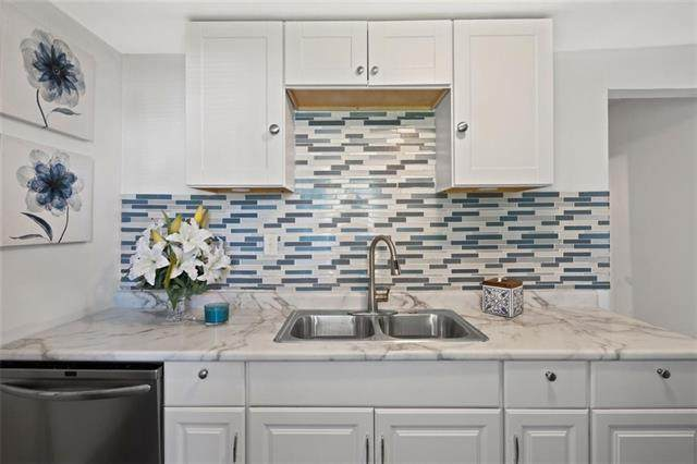 904 Lafayette Avenue, Kansas City, KS 66101 (#2321675) :: Dani Beyer Real Estate