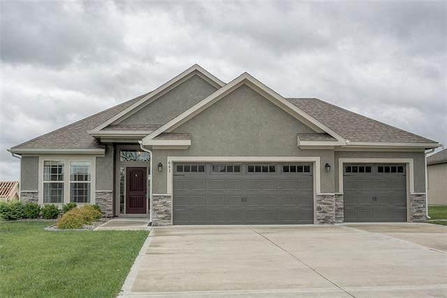 641 SW Crestview Drive, Grain Valley, MO 64029 (#2321746) :: Team Real Estate