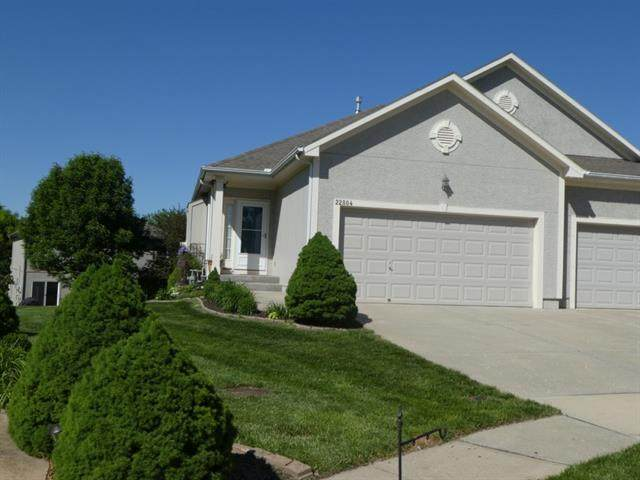 22804 W 72nd Terrace, Shawnee, KS 66227 (#2321808) :: Austin Home Team
