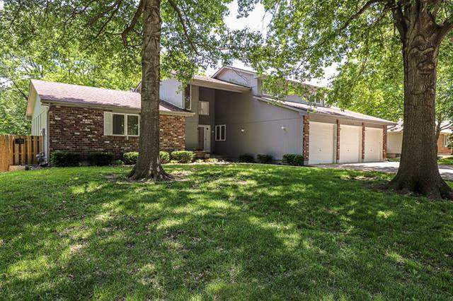 1504 SW 25th Street, Blue Springs, MO 64015 (#2321813) :: Ask Cathy Marketing Group, LLC