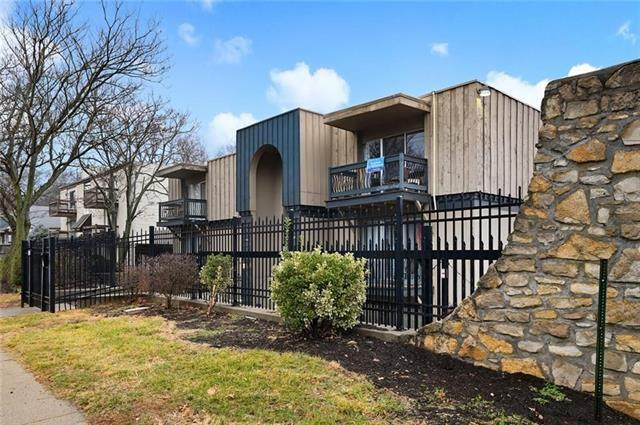 4143 Roanoke Road #9, Kansas City, MO 64111 (#2321815) :: Eric Craig Real Estate Team