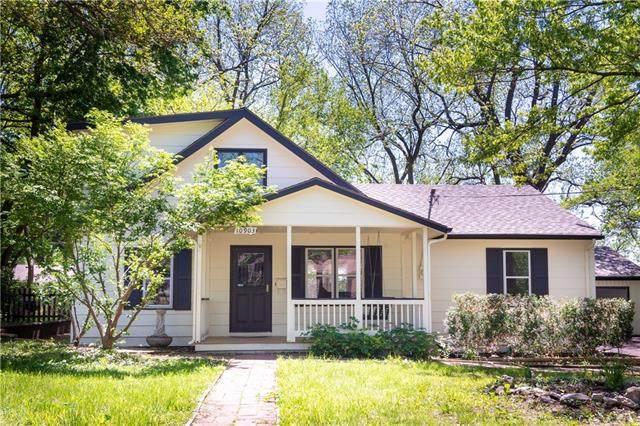 10903 W 59th Terrace, Shawnee, KS 66203 (#2321831) :: Five-Star Homes