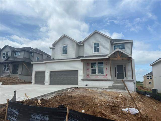 24306 W 58th Circle, Shawnee, KS 66226 (#2321881) :: Austin Home Team
