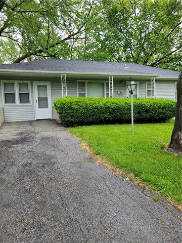 4820 Wood Avenue, Kansas City, KS 66102 (#2321988) :: Five-Star Homes