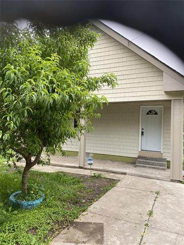 1215 Georgia Avenue, Kansas City, KS 66104 (#2322021) :: Eric Craig Real Estate Team