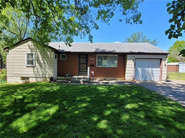 3216 S Trail Ridge Drive, Independence, MO 64055 (#2322138) :: Audra Heller and Associates