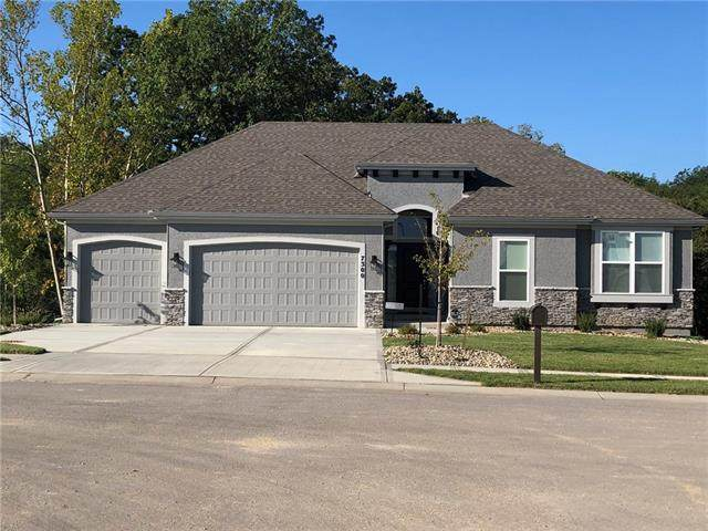 7300 NW Clore Drive, Parkville, MO 64152 (#2322229) :: Ask Cathy Marketing Group, LLC