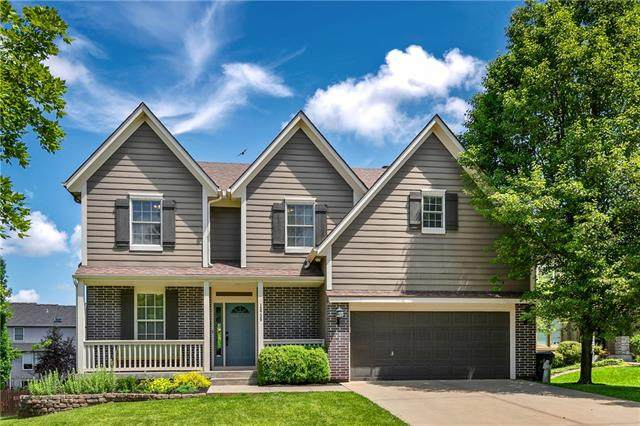 13730 W 158th Terrace, Olathe, KS 66062 (#2322255) :: Team Real Estate