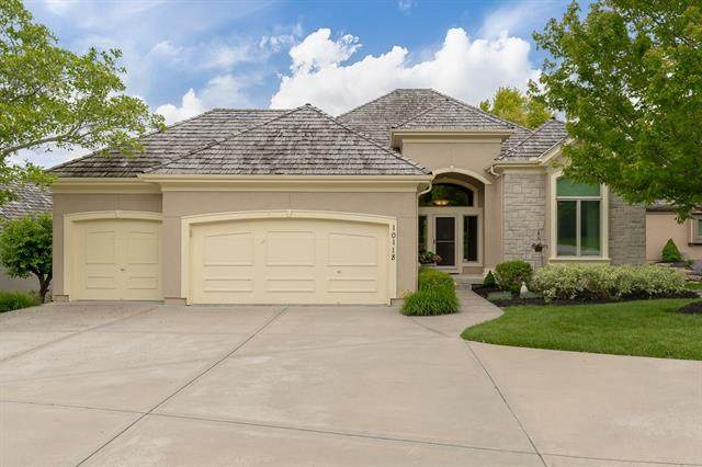 10118 S Shadow Circle, Olathe, KS 66061 (#2322266) :: Dani Beyer Real Estate