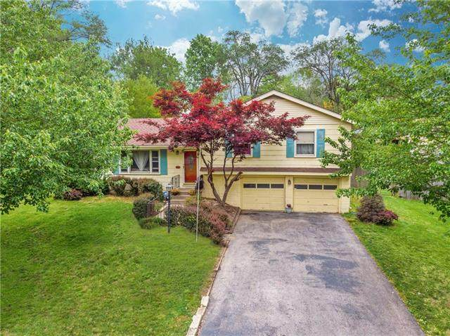 4511 S Willis Avenue, Independence, MO 64055 (#2322333) :: Audra Heller and Associates