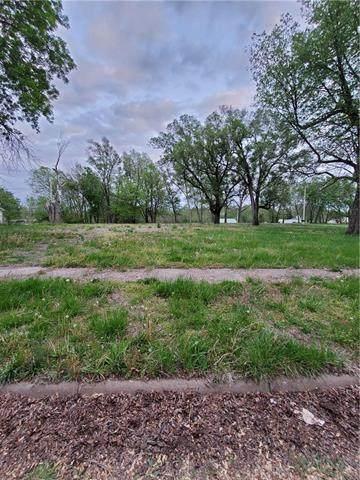 304 First Street N/A, Hiawatha, KS 66434 (#2322427) :: Eric Craig Real Estate Team