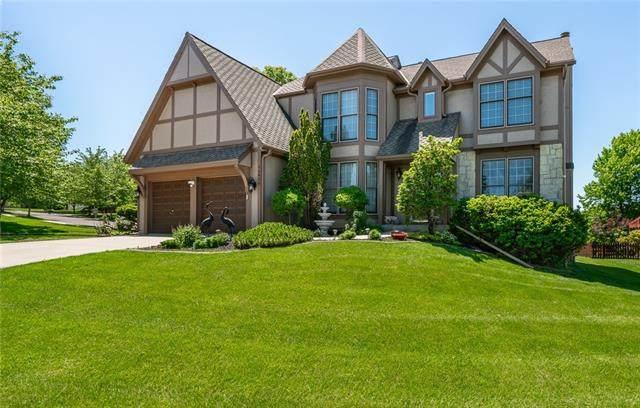 14626 Hemlock Street, Overland Park, KS 66223 (#2322519) :: Dani Beyer Real Estate